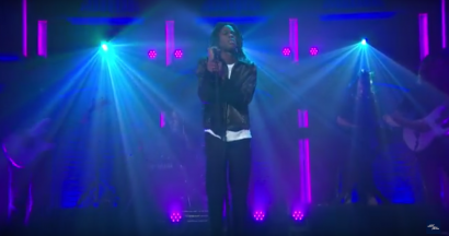 Daniel Caesar on Seth Meyers